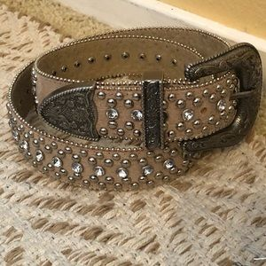 2️⃣/$30💥 Guess Rhinestone Belt